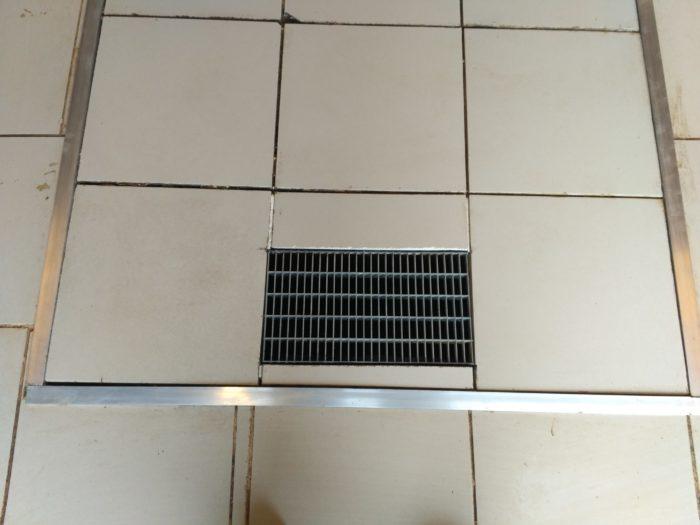 Вентиляционная решетка смотровой ямы